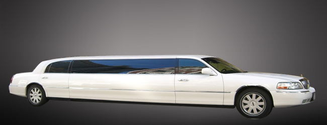 Lincoln White limo